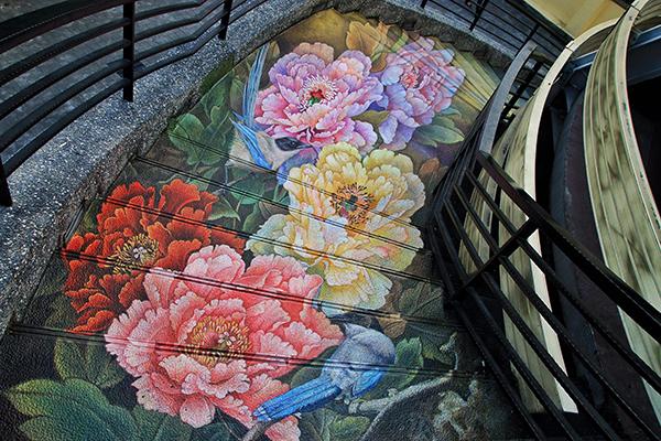 紫南宮的3D彩繪階梯非常吸睛 (圖片提供/夾腳拖先生)
