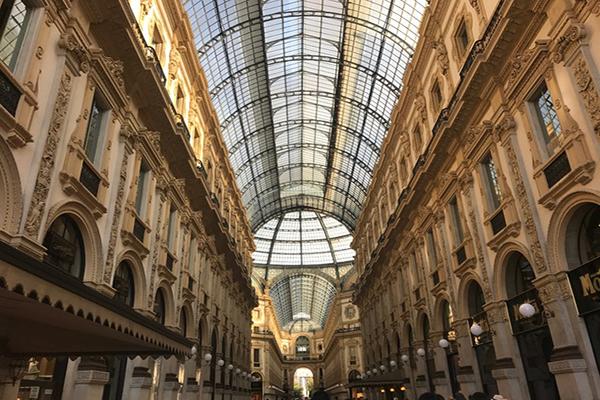 麗寶戶外區商店街道設計以米蘭大教堂旁的「艾曼紐二世迴廊」 (圖/麗寶集團)