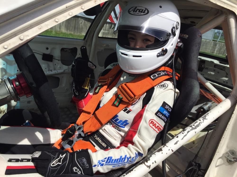 現在常時參加比賽的Iris在幾年前也只是個喜歡看賽車,但卻沒有太多概念的一般女孩。圖/Iris提供