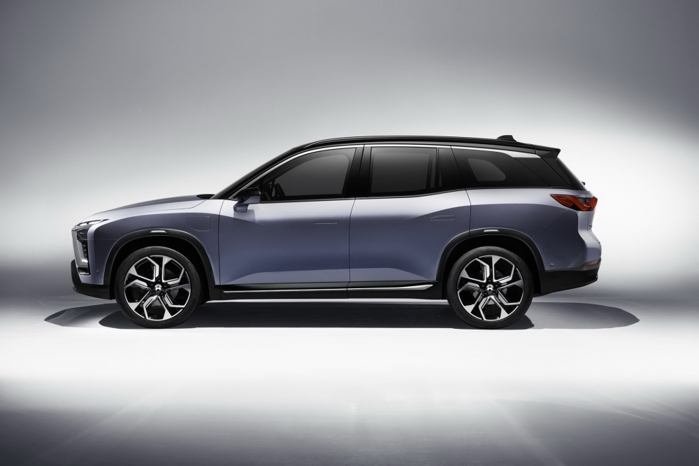 BYTON也是受到矚目的中國電動車品牌,今年發表的中型純電動SUV概念車BYTON Concept,搭載5G通訊與人臉辨識系統。(圖片來源: https://carnewschina.com/2018/01/08/byton-concept-electric-suv-launched-china/)
