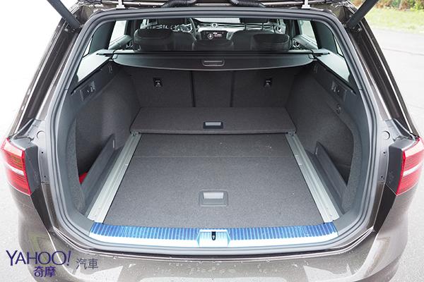 身騎駿馬的條頓武士!Volkswagen Passat Variant R-Line試駕