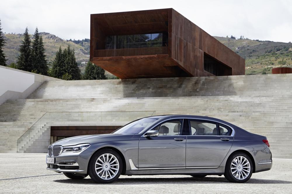 成功人士睿智的購車首選 正2017年式BMW大7系列「多元精算租賃專案」尊榮呈獻