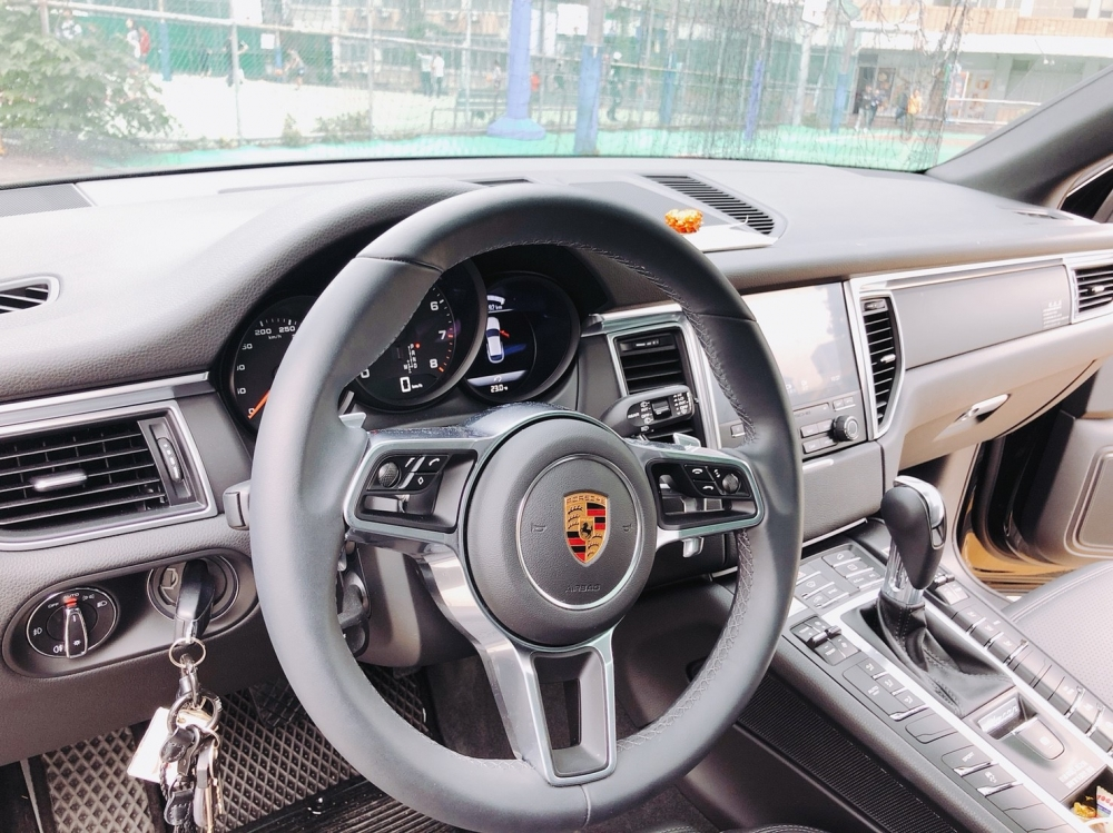 森田買下Porsche全因為被帥氣的外型吸引。