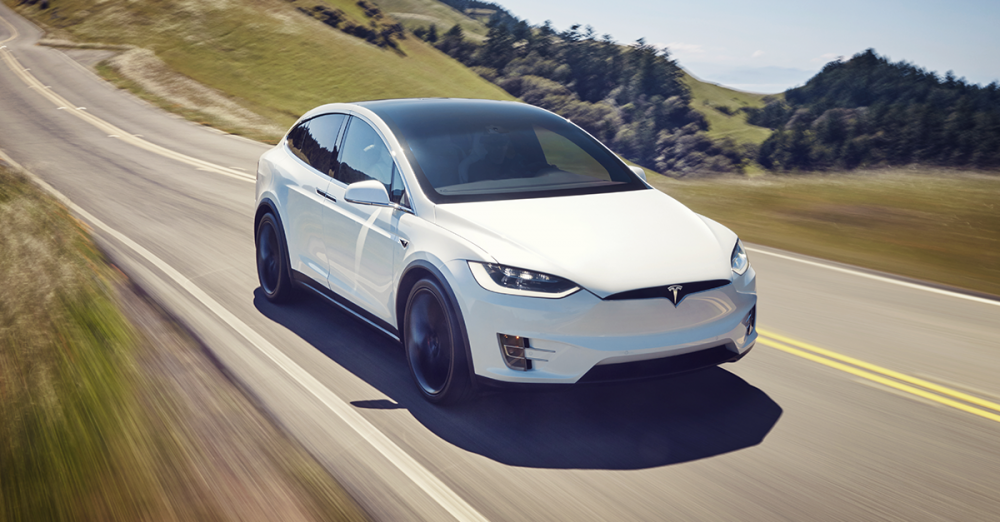 Model Y定位為多用途運動型越野車,有點像Model X精簡版,也是Telsa全新開發的產品線