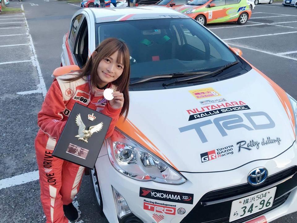 【明星聊愛車】美女賽車手洪銘蔚日本闖天下!只花2年打響名號!