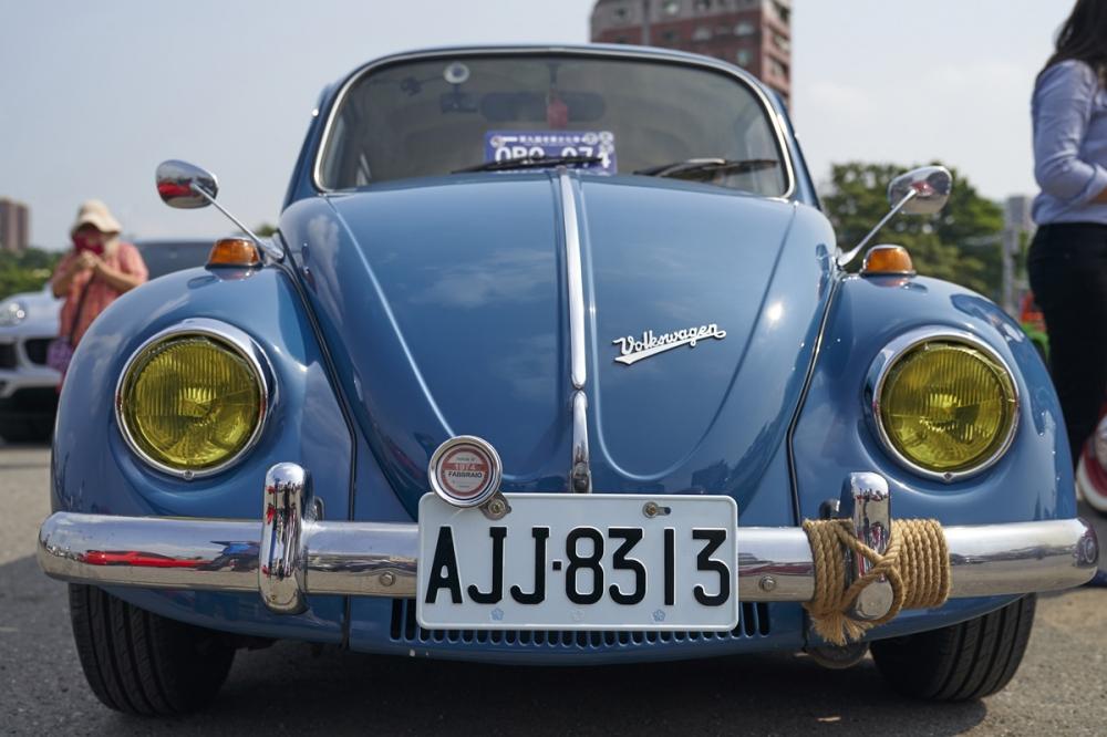 Volkswagen Beetle 大燈改採黃霧燈凸顯對比特色