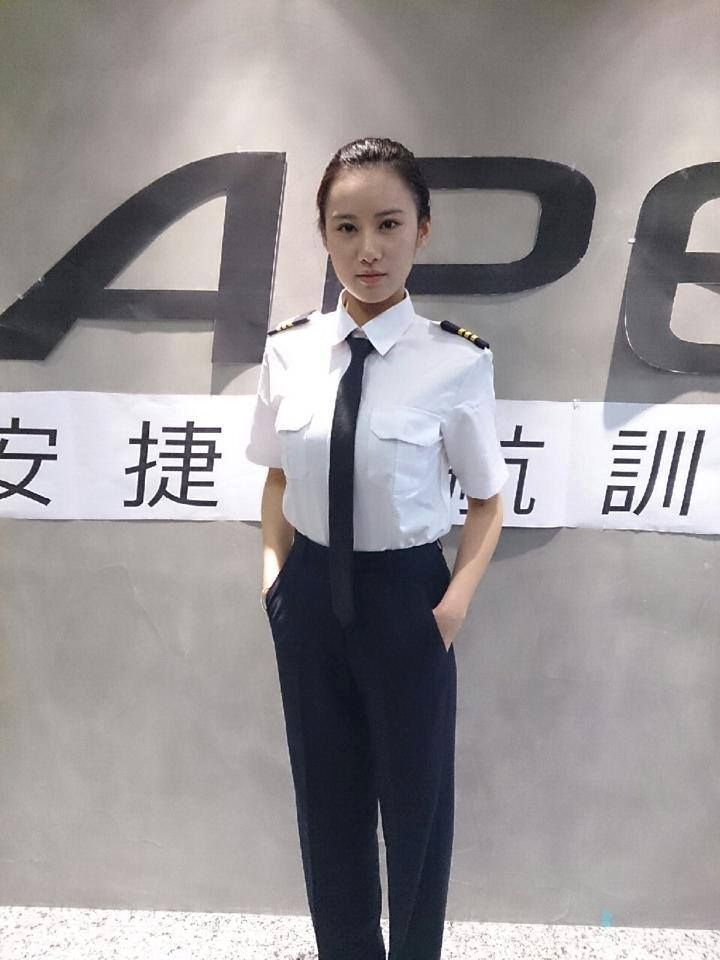 胡廣雯曾在電影《痞子英雄2:黎明升起》中,擔任便衣刑警一角。