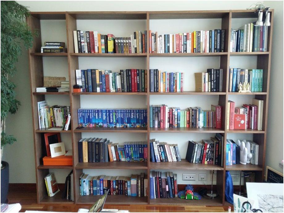 老公的書房,井然有序。