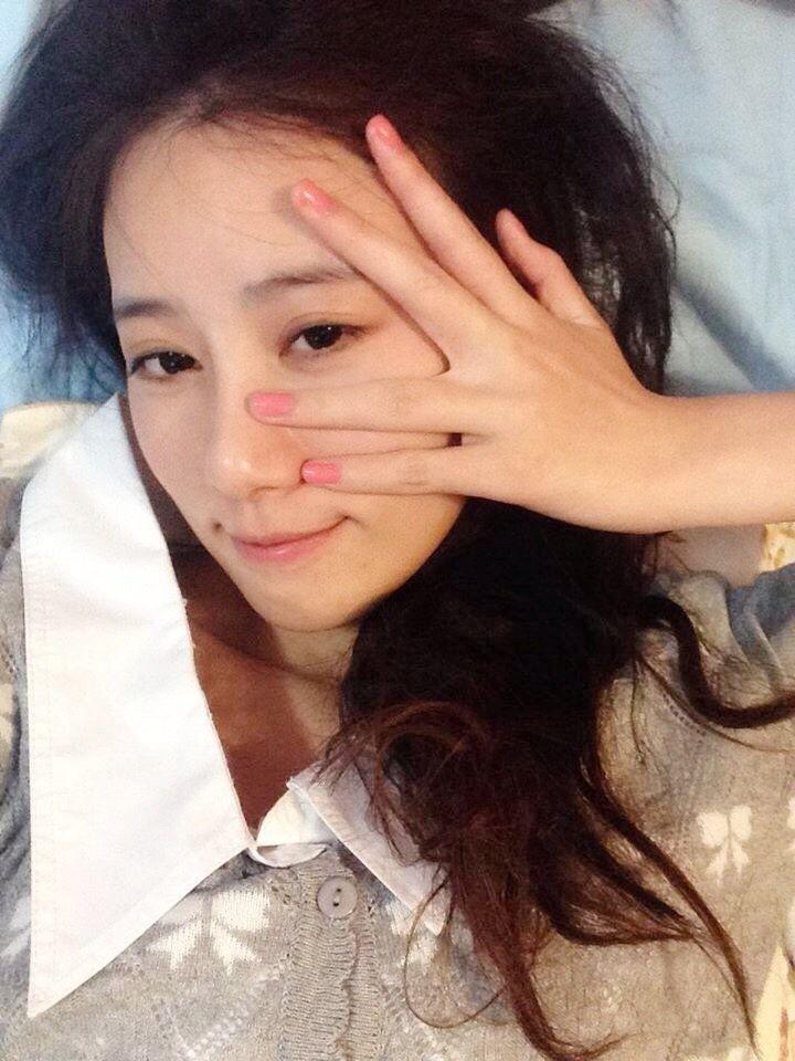 胡廣雯平日休息時都會睡上一整天,素顏還是很美。