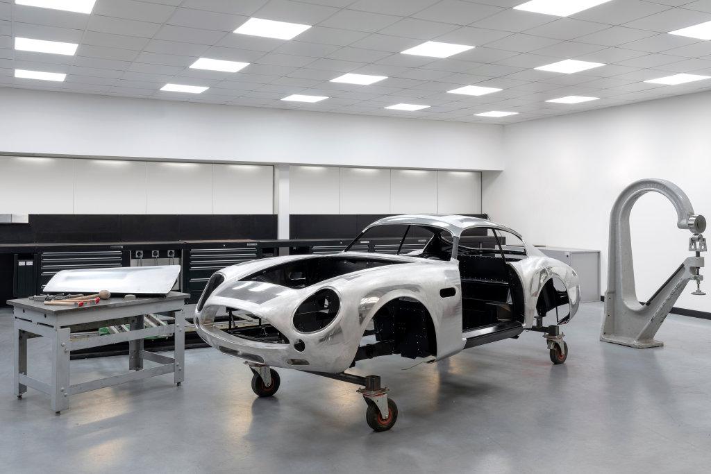 還有18台!ASTON MARTIN完成第一台DB4 GT Zagato Continuation車