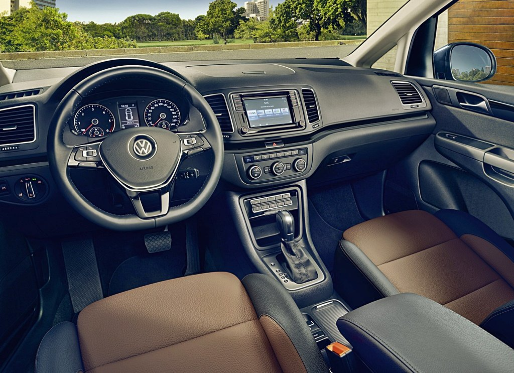 VW Sharan轎式休旅小改安全大幅升級,加碼推出Black Style暗黑版