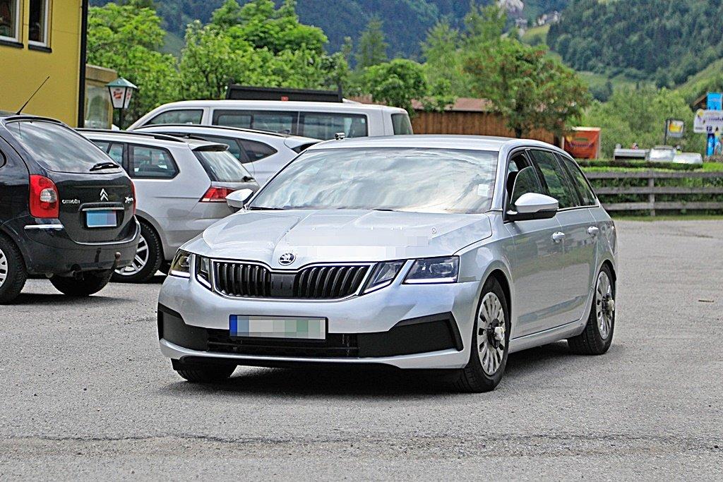 SKODA人氣車Octavia將推出4代新車型,測試間諜照流出