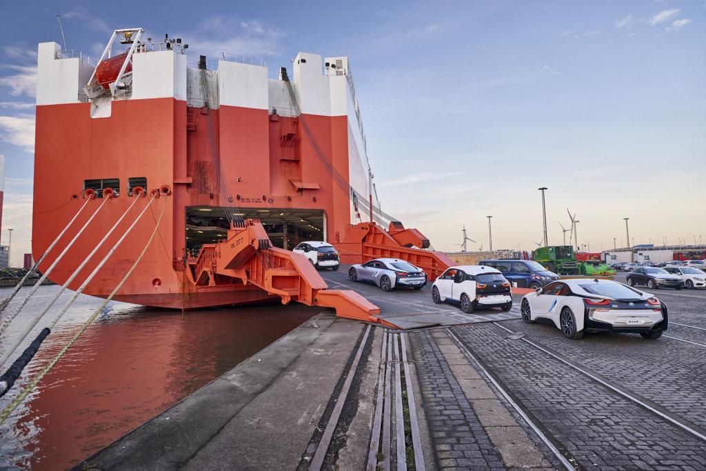 採用拖延戰術?川普打算推延美國汽車進口關稅政策