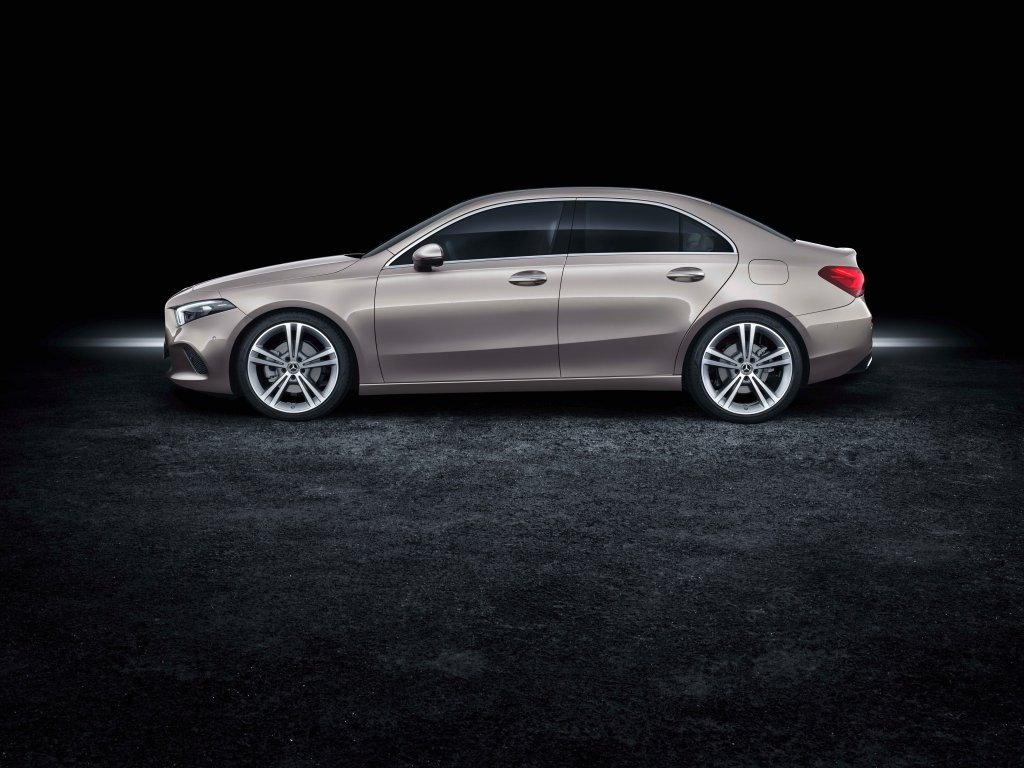 M-BENZ公布美國A-Class Sedan正確售價,新台幣100萬元起