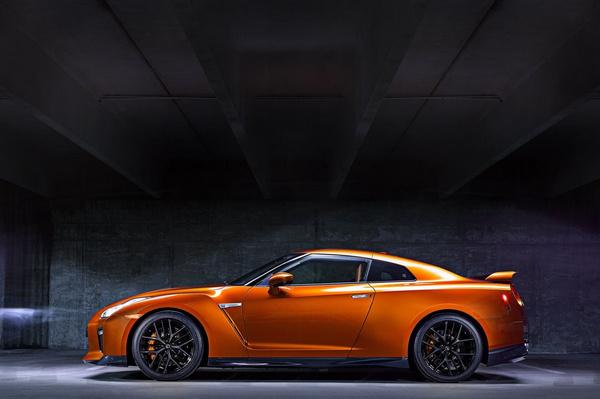 2017新年式小改款NISSAN GT-R,內、外觀、動力全提升!