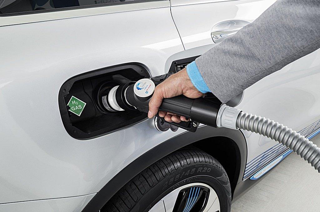 賓士氫燃料電池車GLC F-Cell將上路,全歐廣建加氣站基礎建設