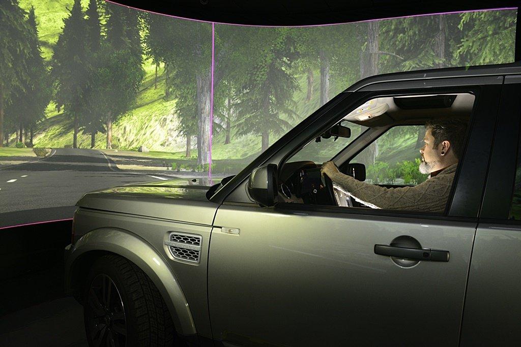 蘋果突發奇想,把汽車前擋風玻璃變成手機抬頭顯示器