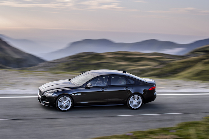 JAGUAR LAND ROVER 雙品牌再攀65%成長高峰 限定車款正16年式贈5年5萬公里保養方案 敬邀即刻入主