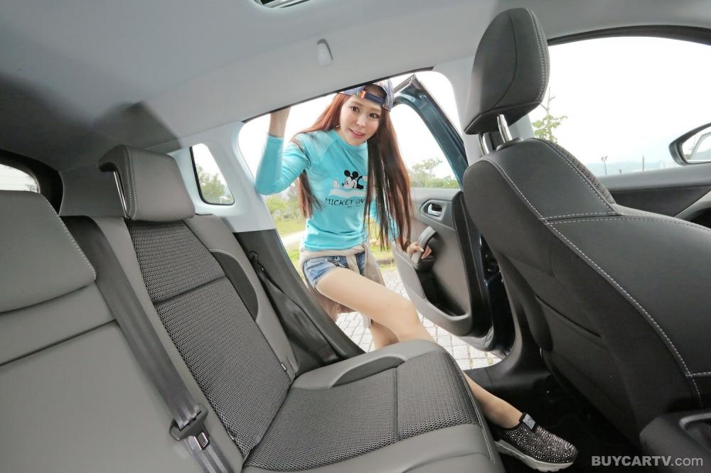 【♀ 冠儀試車日記】獨具風情的小休旅 Peugeot 2008 1.2 Pure Grip Control