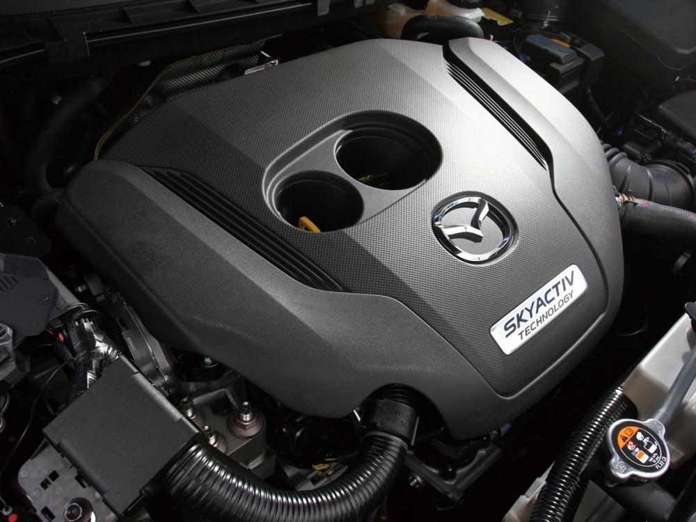 搭載2.5升直列四缸渦輪增壓引擎,可輸出最大馬力230ps與最大扭力42.8kgm。