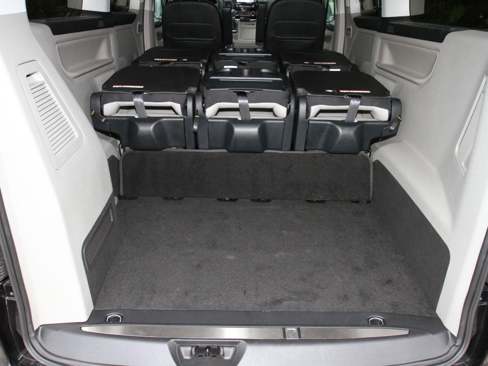 尾廂將座椅全數傾倒後可來到1930公升的超大容積表現。