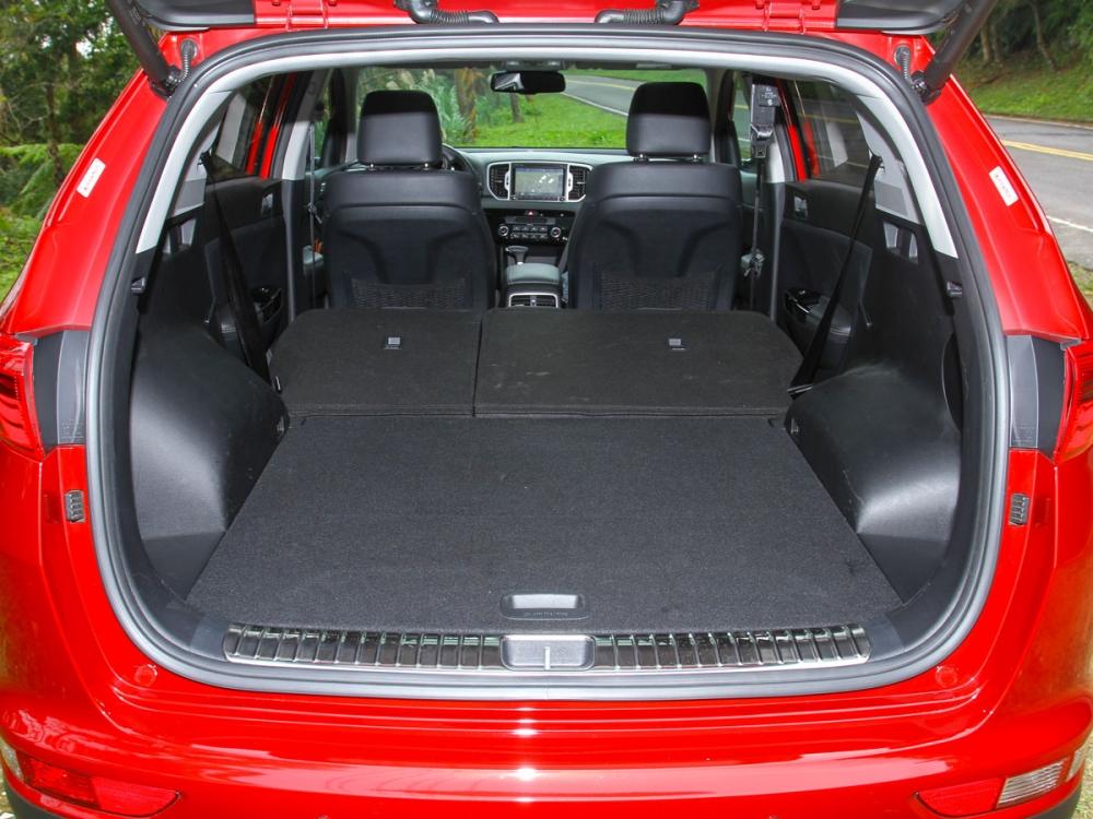 後行李箱擁有491公升的基礎容量,並可擴充至1455公升。