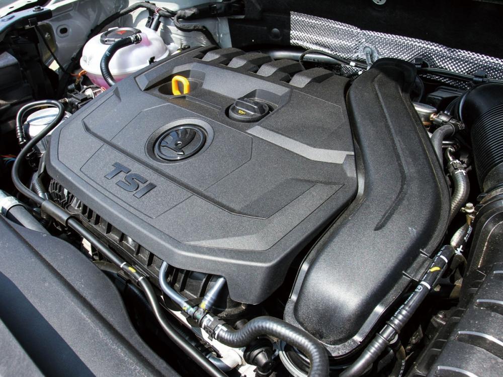 1.5升直列四缸渦輪增壓引擎,可輸出150hp最大馬力及25.5kgm扭力,搭配七速DSG雙離合器自手排變速箱之下,0-100km/h加速僅需8.6秒。