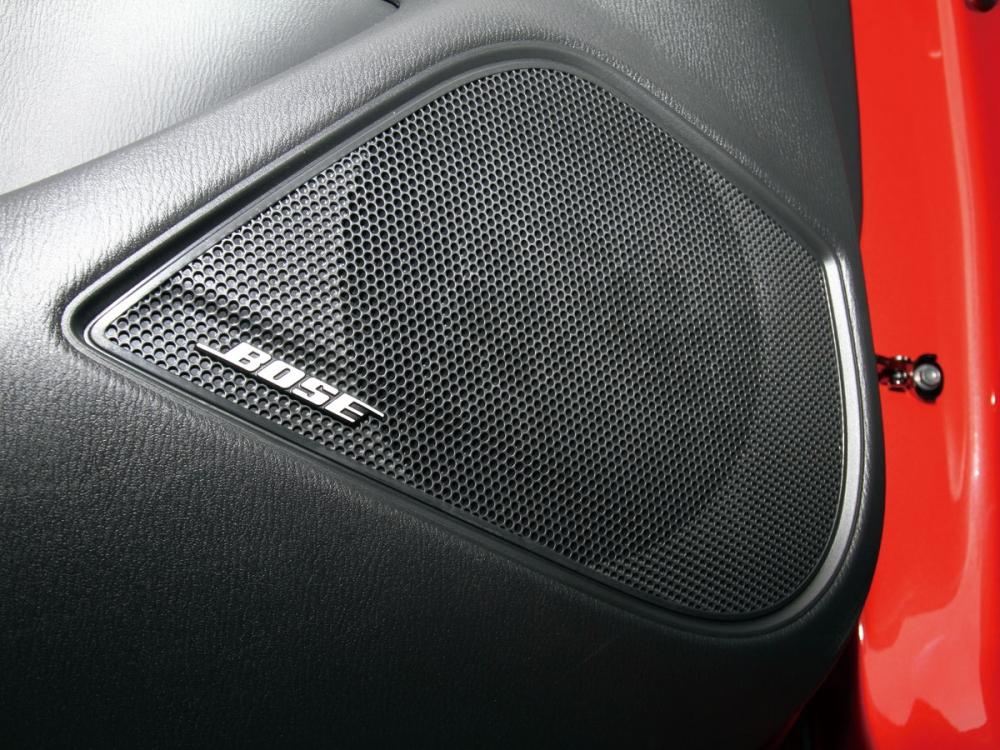 CX-3 Skyactiv-D車型上專屬搭載BOSE環繞音響系統,配上全車七支喇叭,實現360度絕佳音場還原。
