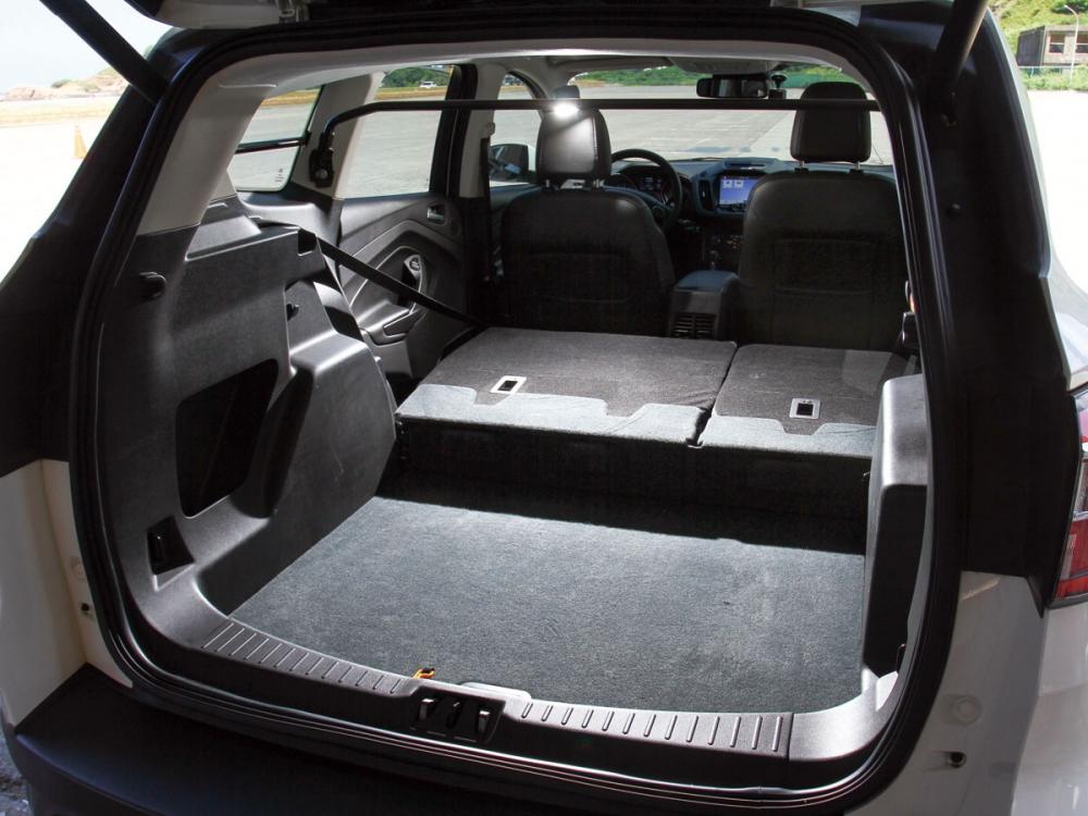 支援Extra-Space後座6/4分離功能,讓後車廂裝載空間從456公升擴增至1600公升之多。