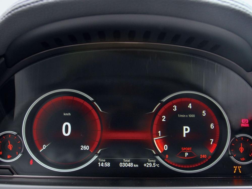10.25吋多重行車模式儀表板隨模式切換會呈現不同色系。