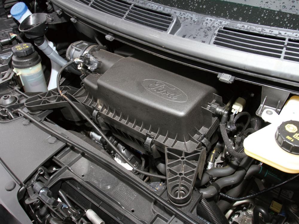 搭載2.0升EcoBlue直列四缸柴油渦輪增壓心臟,可輸出170hp的最大馬力與41.3kgm峰值扭力。