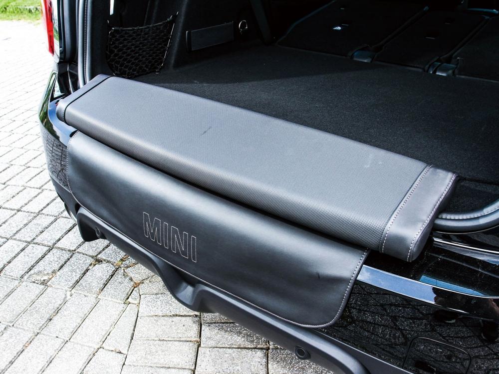 車主可以透過選配的方式,加選後座野餐坐墊。