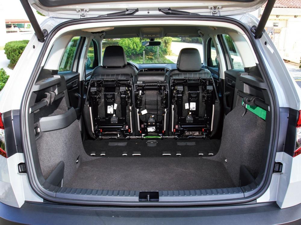 標配VarioFlex聰明變後座椅,使後排三張獨立座椅能完全拆離車艙,讓整車裝載容積達1810公升之多。