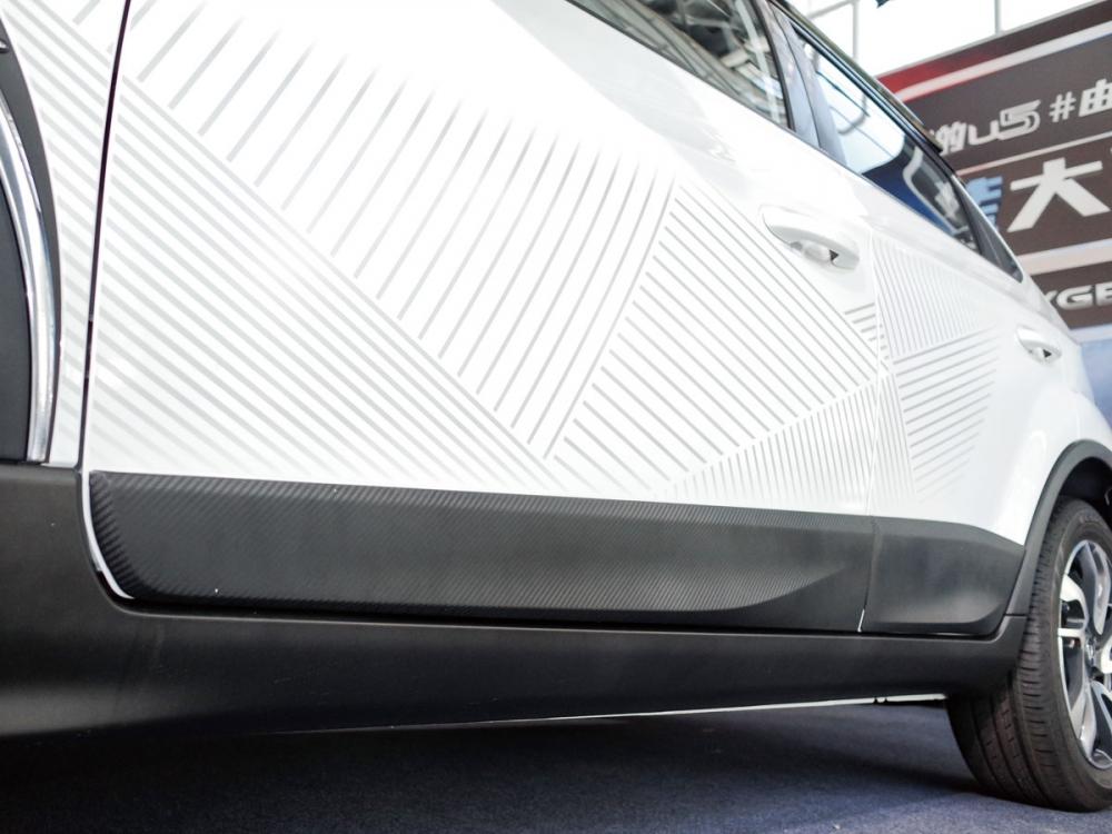 獨特造型的車身貼紙種類繁多,用以加強外觀自我特質。