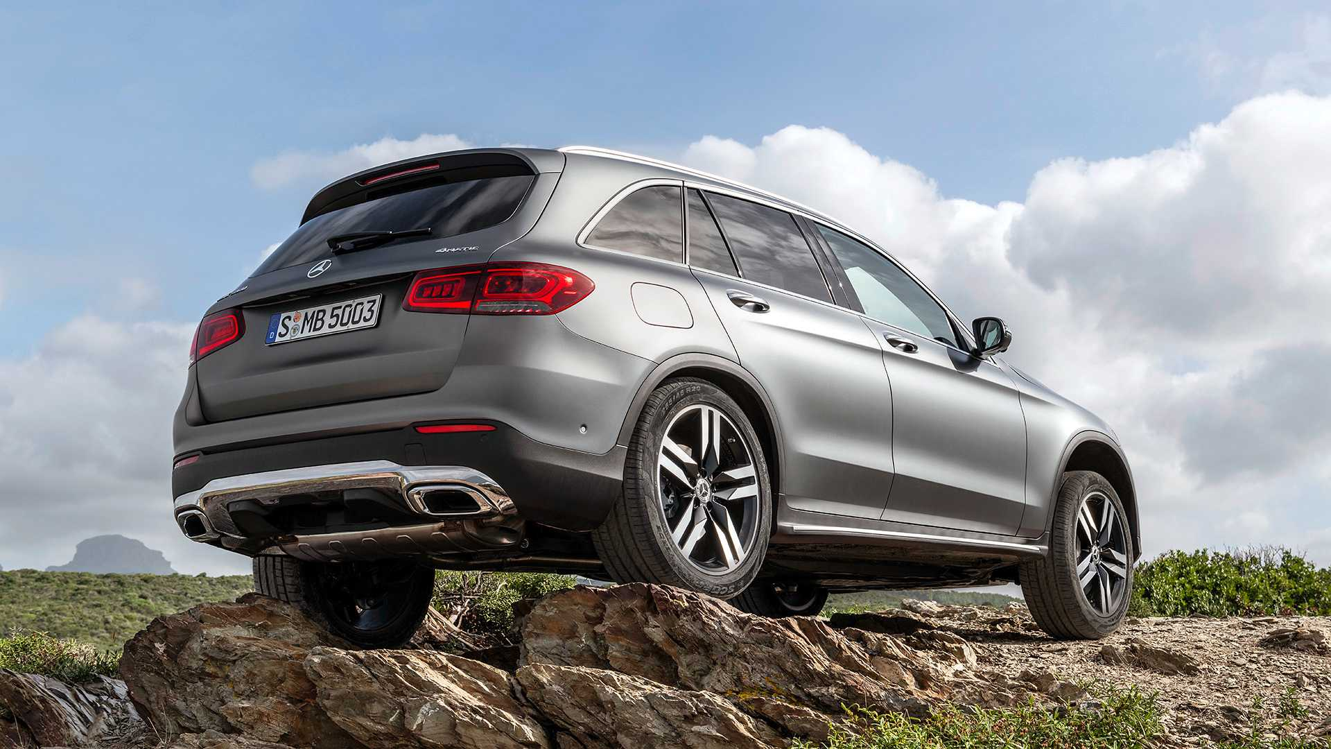 mercedes-benz-glc-2019 (9).jpg