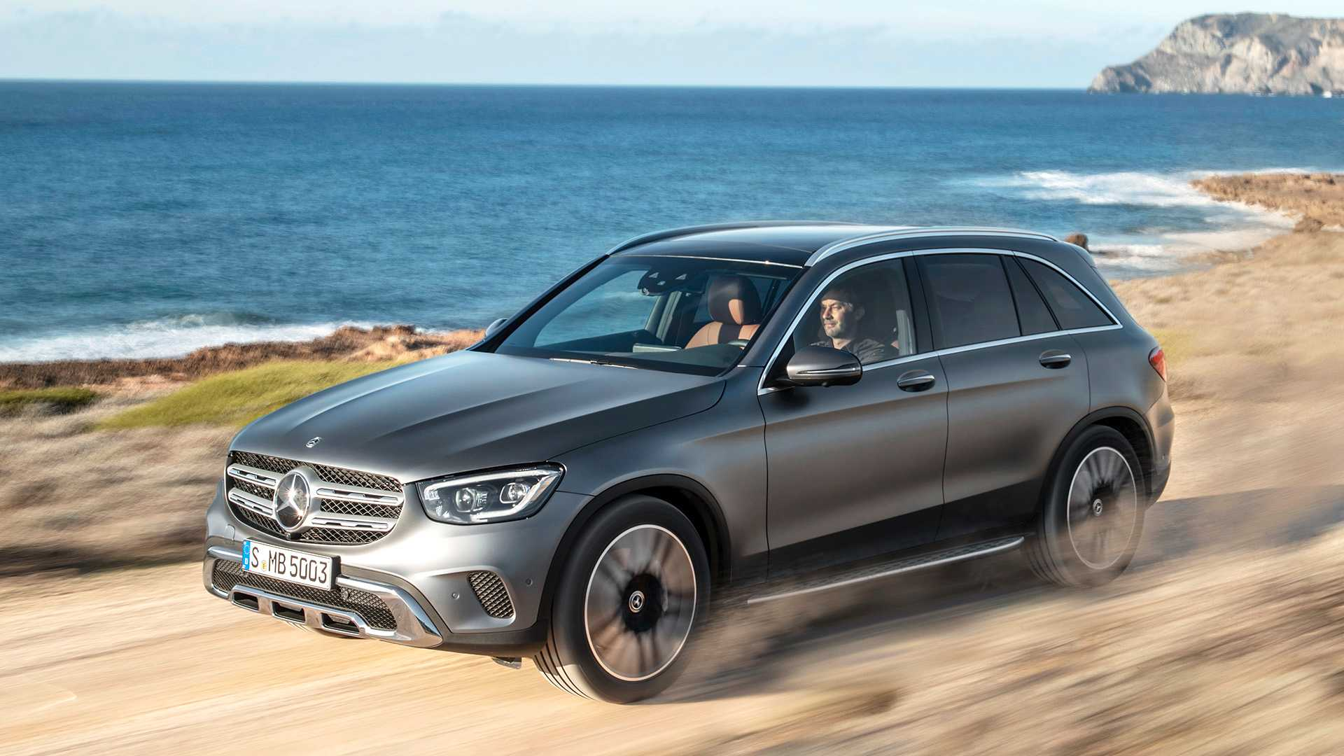 mercedes-benz-glc-2019 (1).jpg