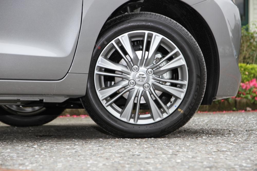 輪胎尺寸為185/55R16