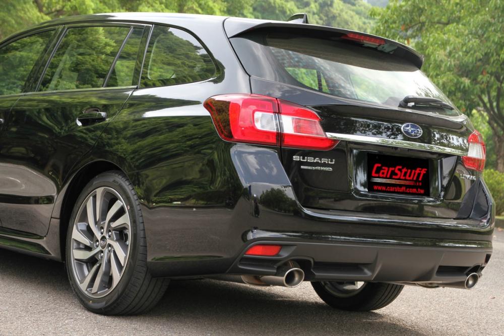小改款Levorg車尾造型維持現有樣式,雙邊圓形排氣尾管的搭配依舊動感十足