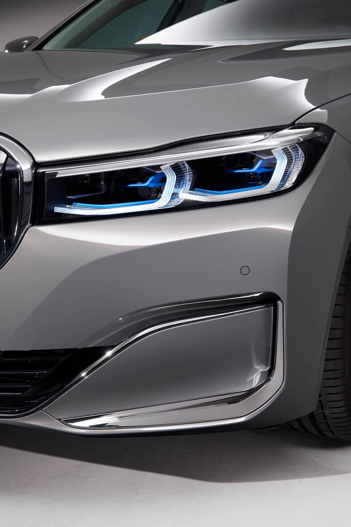 P90332008_highRes_the-new-bmw-7-series.jpg