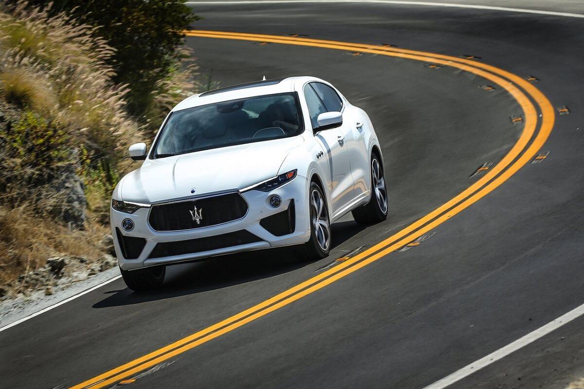 Maserati-Levante_GTS-2019-2.jpg