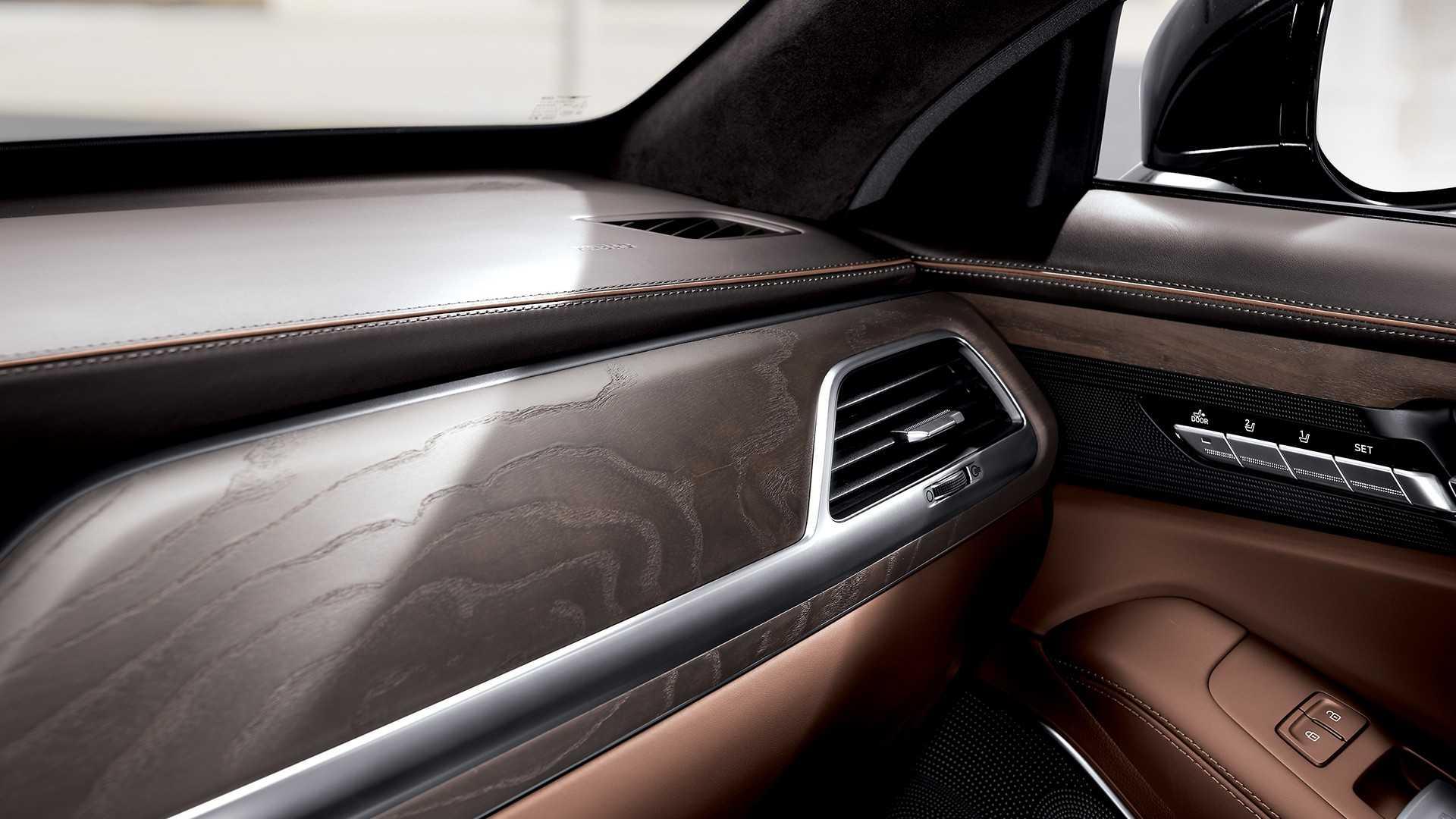 genesis-g90-facelift-kdm-spec (15).jpg
