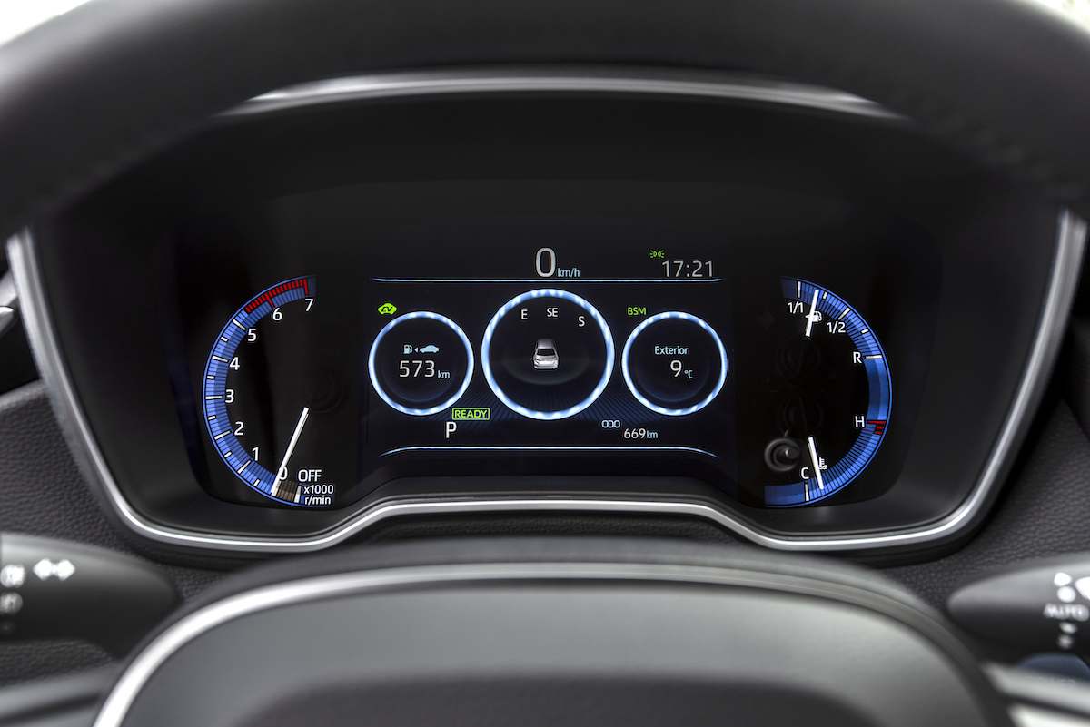 corolla-sedan-1.8l-grey-2019-046-401243.jpg