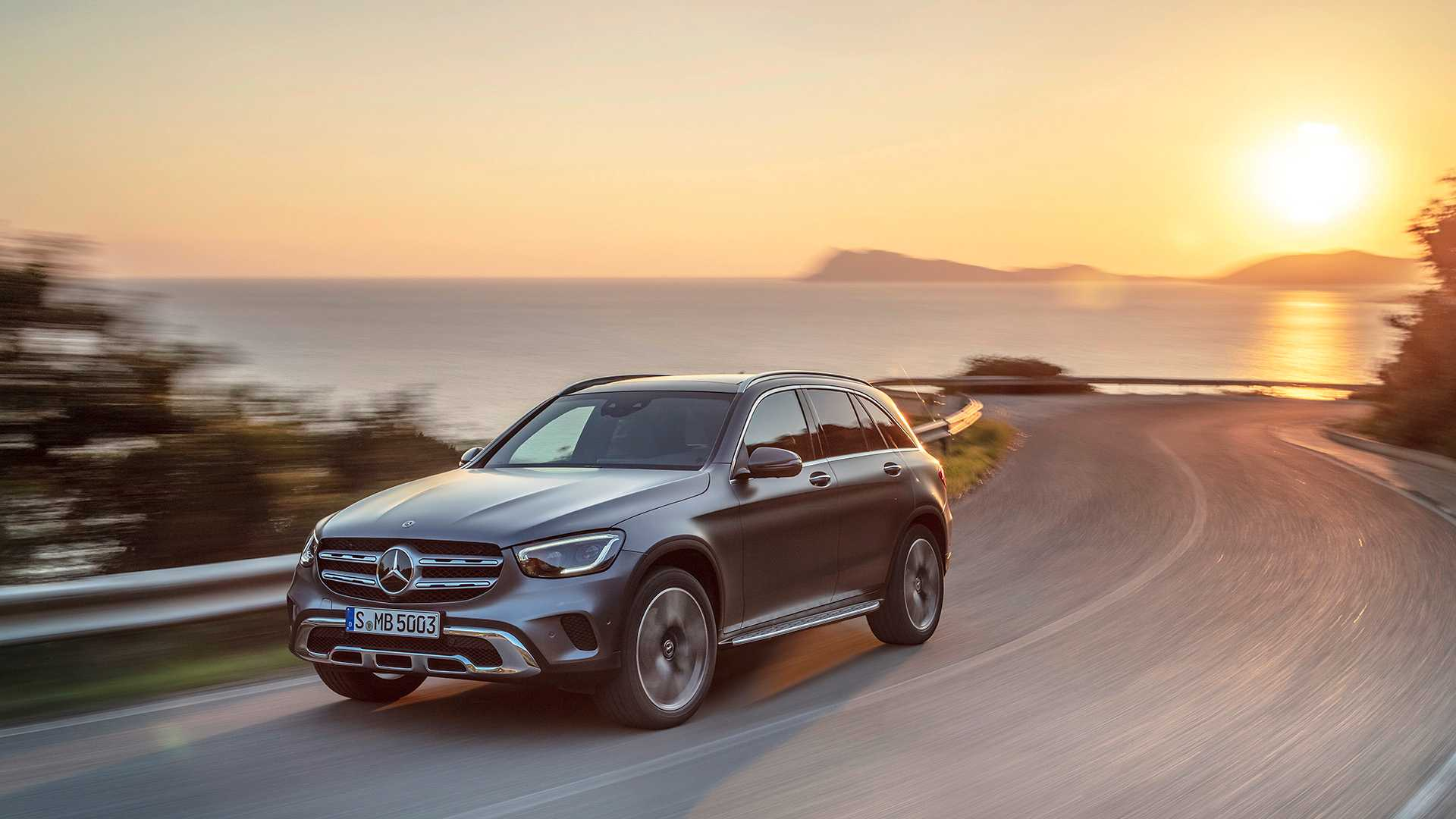 mercedes-benz-glc-2019 (2).jpg