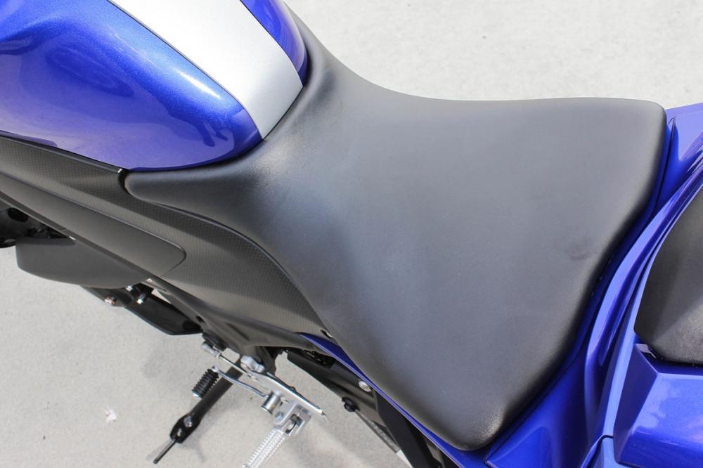 座墊造型一覽,座高為相當具親和力的780mm。