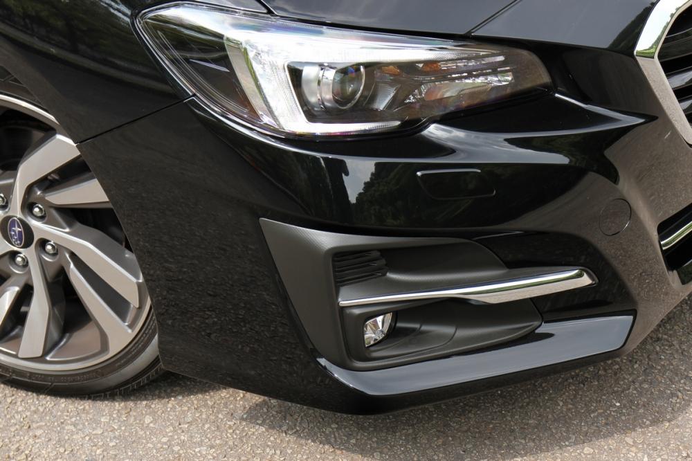 Levorg 1.6 GT-S車型配備LED頭燈並新增SRH主動轉向功能,小改款霧燈造型做個更動,並且升級為LED光源