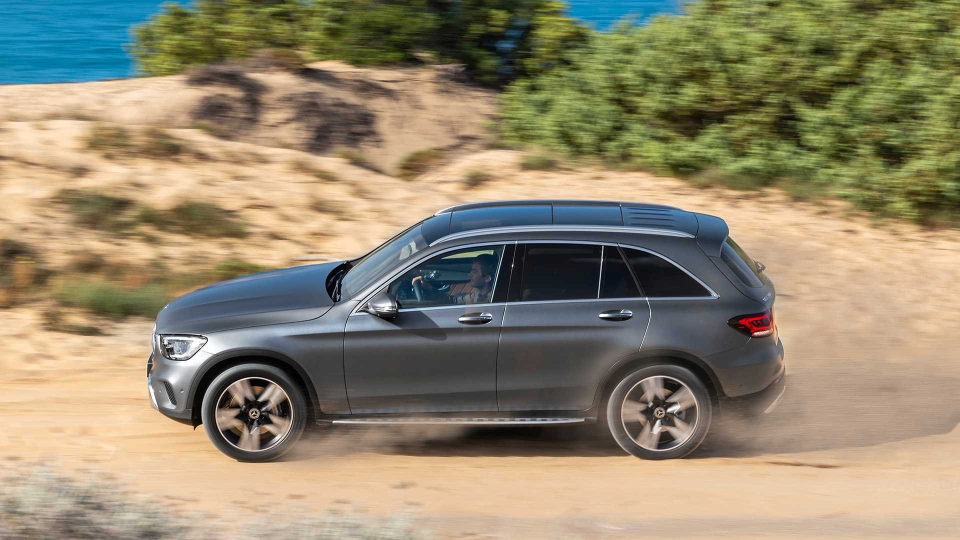 mercedes-benz-glc-2019 (8).jpg