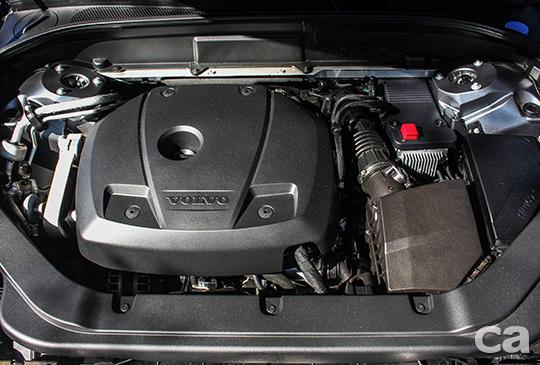 代號T6的雙重增壓引擎,是目前原廠純內燃機動力中最強悍的選項。