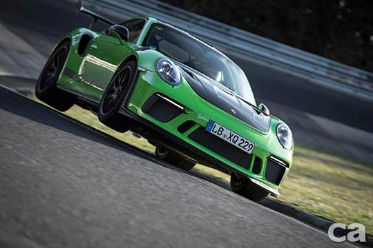 Porsche可說當今最愛拿Nurburgring賽道秒數說嘴的車廠,而911 GT3 RS跑出6分56秒40的成績,更一舉刷掉自家的當代蛙王918 Spyder。