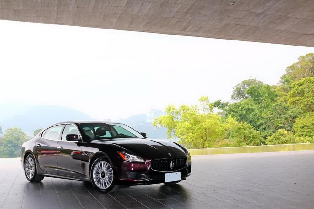 忘了尺碼的暢快─Maserati Quattroporte S Q4