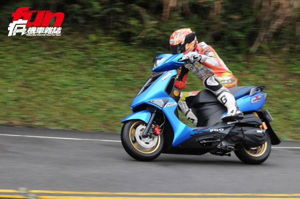 【對決】KYMCO RACING 150 ABS MOTOCAM V.S. PGO TIGRA 150 ABS